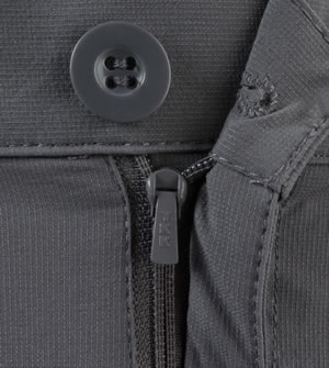 zipper fly on the cargo short